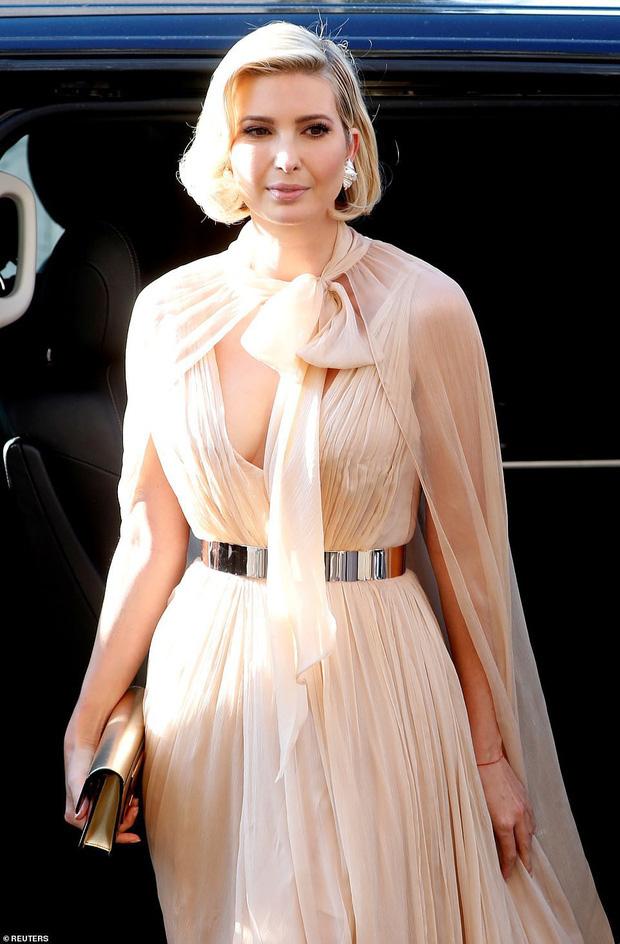 Sửa váy cho kín đáo chứ không 'lồ lộ' như Ivanka Trump, Suzy khẳng định: Vòng 1 khủng hơn chưa chắc đã mặc đẹp hơn! - Ảnh 4.