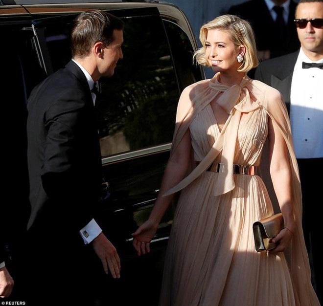 Sửa váy cho kín đáo chứ không 'lồ lộ' như Ivanka Trump, Suzy khẳng định: Vòng 1 khủng hơn chưa chắc đã mặc đẹp hơn! - Ảnh 5.