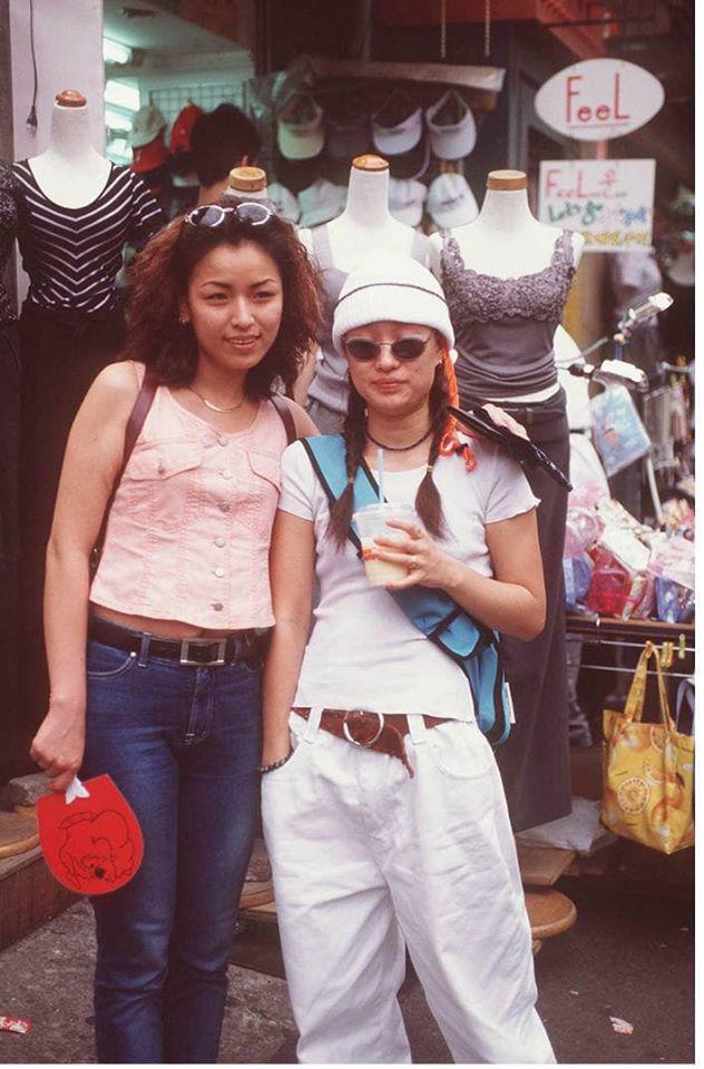 Nam thanh nữ tú xứ Hàn những năm 90: Lên đồ chặt chém, bắt trend - Ảnh 1.