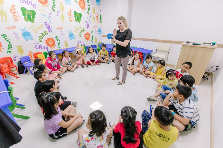 Học viên trải nghiệm lớp học tại cơ sở mới Vus Tên Lửa - Ảnh 3.