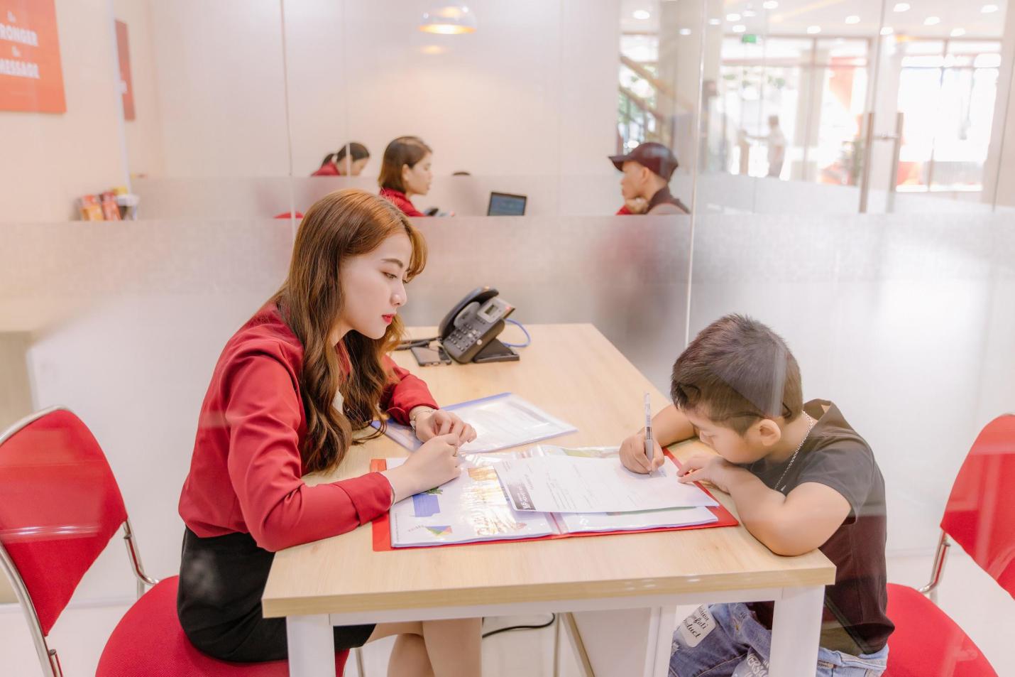 Học viên trải nghiệm lớp học tại cơ sở mới Vus Tên Lửa - Ảnh 4.