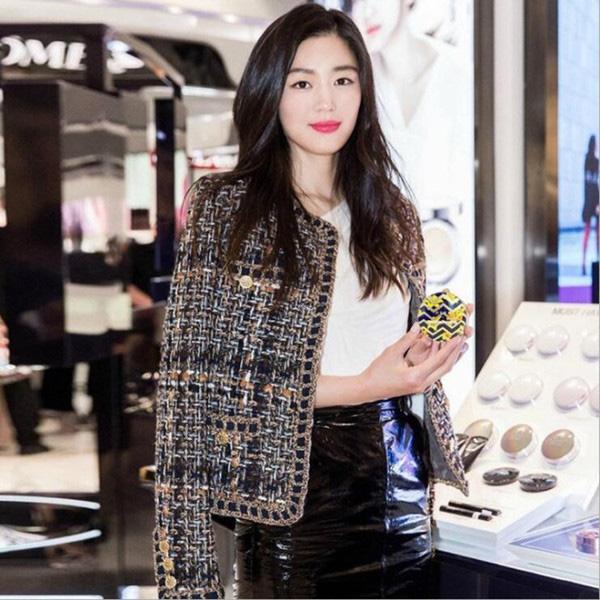 Những cô nàng thời trang, sành điệu nhất showbiz Việt - hàn đang  - Ảnh 14.