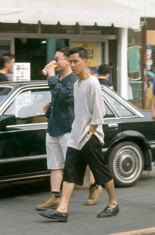 Nam thanh nữ tú xứ Hàn những năm 90: Lên đồ chặt chém, bắt trend nhạy chẳng kém idol Kpop - Ảnh 12.