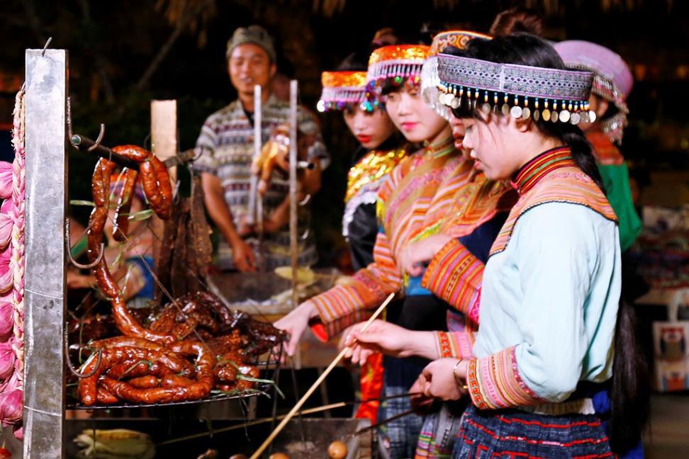 """Phát triển du lịch bền vững nhờ """"đặc sản"""" văn hóa - Ảnh 2."""