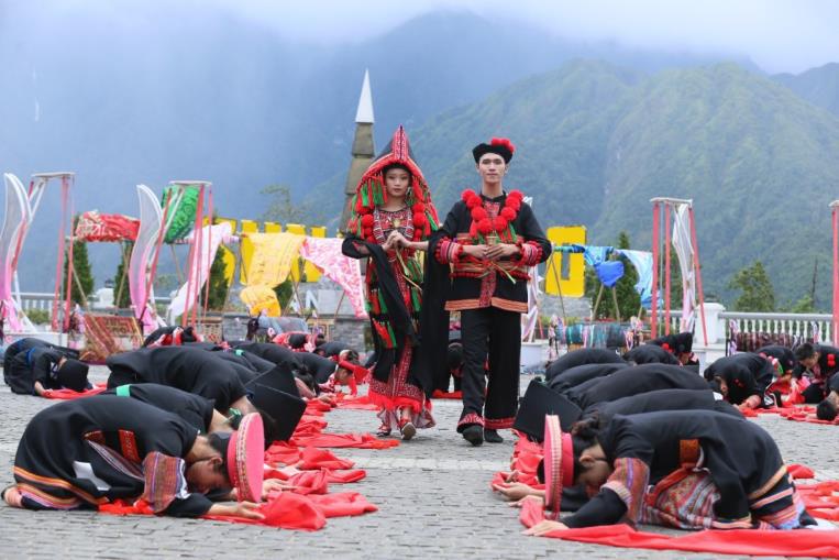 """Phát triển du lịch bền vững nhờ """"đặc sản"""" văn hóa - Ảnh 3."""