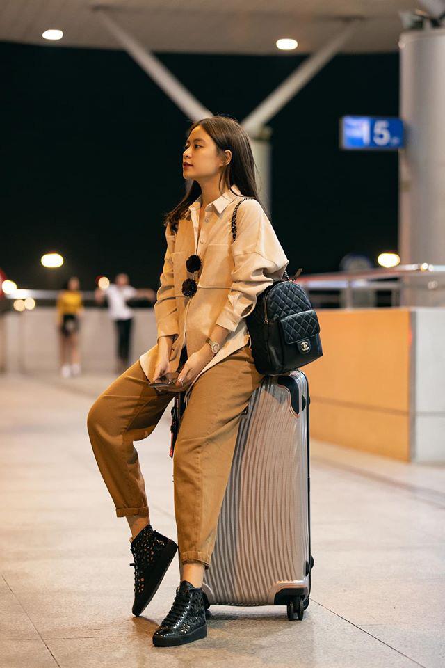 Street style sao Việt: Phạm Quỳnh Anh ăn vận như teen girl, HH Thu Thảo lại diện váy thùng thình cứ như bầu bí lần 2 rồi - Ảnh 16.