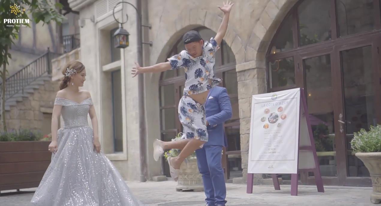 Tung video chụp ảnh cưới… nhưng anh thợ chụp ảnh mới là người chiếm spotlight khiến cộng đồng mạng nhiệt liệt thả tim - Ảnh 2.
