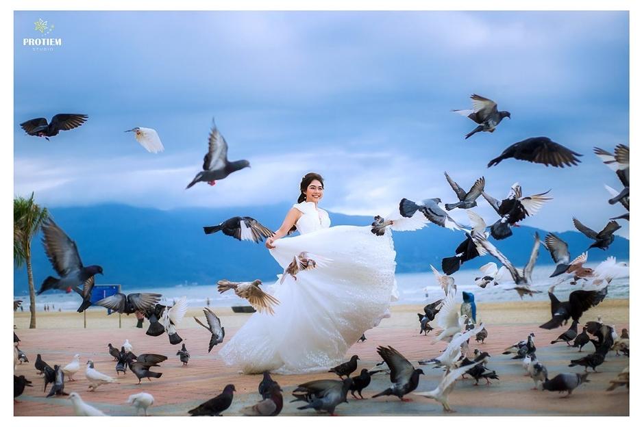 Tung video chụp ảnh cưới… nhưng anh thợ chụp ảnh mới là người chiếm spotlight khiến cộng đồng mạng nhiệt liệt thả tim - Ảnh 10.