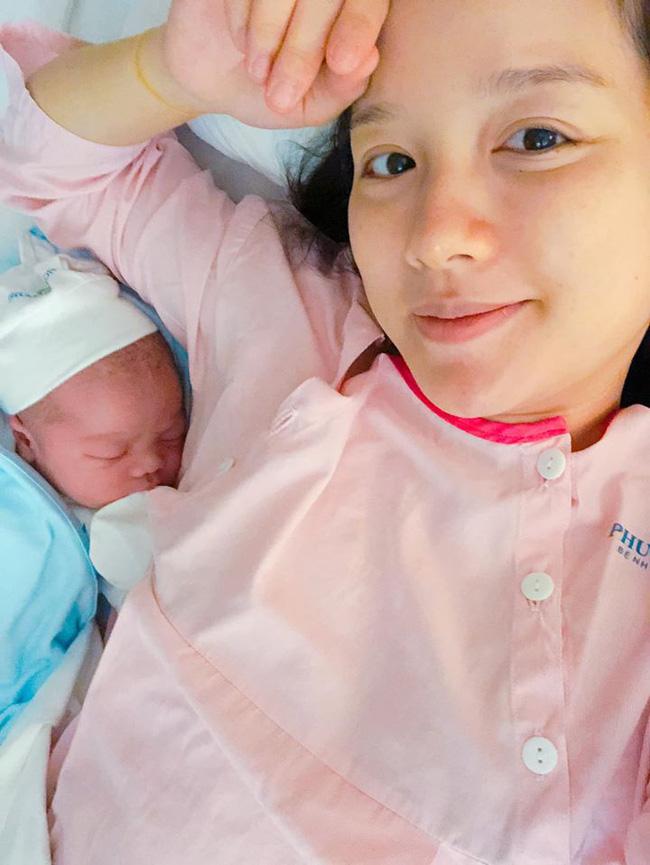 Trải nghiệm cảm giác lần đầu sinh mổ khi đón con thứ 4, MC Minh Trang kể chuyện đau phát khóc và lời khuyên dành cho mẹ bầu - Ảnh 2.