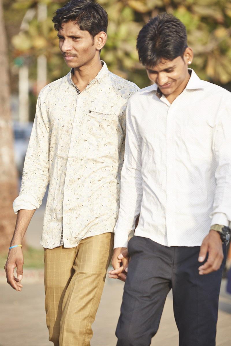 Nắm tay nhau mỗi khi ra đường: Nét văn hóa kỳ lạ nhưng thú vị giữa những anh đàn ông Ấn Độ - Ảnh 16.