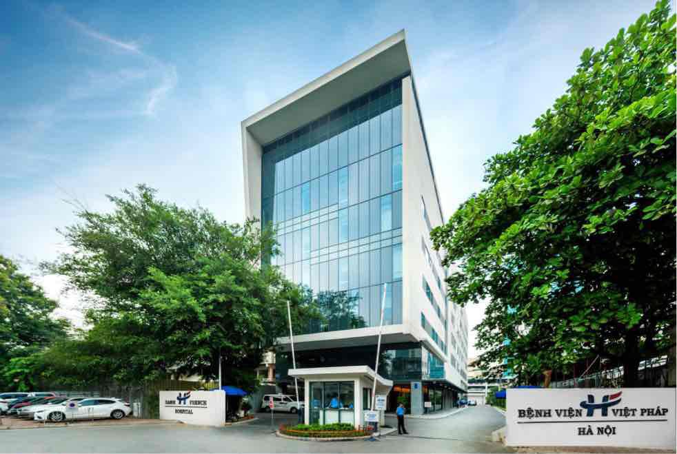 Bệnh viện Việt Pháp Hà Nội đầu tư cơ sở hạ tầng, thiết bị y tế hiện đại phục vụ người bệnh - Ảnh 1.