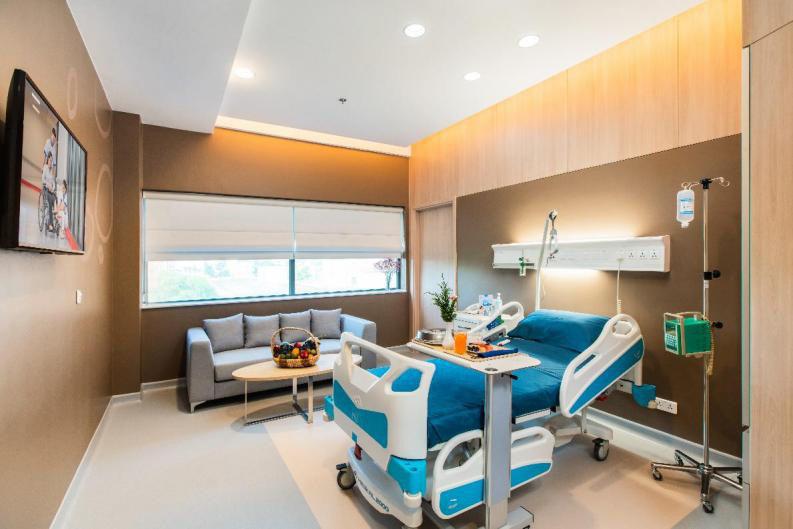 Bệnh viện Việt Pháp Hà Nội đầu tư cơ sở hạ tầng, thiết bị y tế hiện đại phục vụ người bệnh - Ảnh 3.