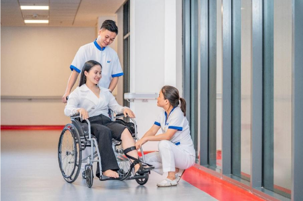 Bệnh viện Việt Pháp Hà Nội đầu tư cơ sở hạ tầng, thiết bị y tế hiện đại phục vụ người bệnh - Ảnh 5.