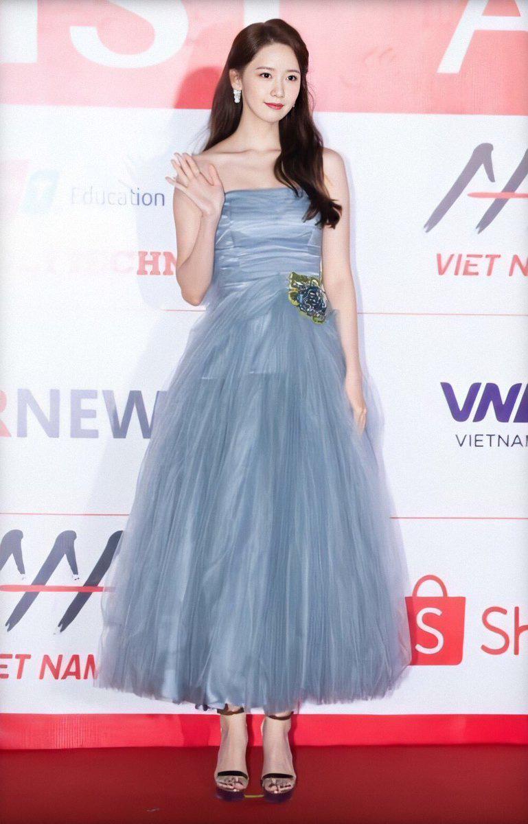 Style của Yoona qua 4 kỳ AAA: Chỉ có 1 lần sến, còn lại đều đẹp hớp hồn; riêng bộ năm nay đậm chất tiên tử ai cũng xiêu lòng - Ảnh 7.