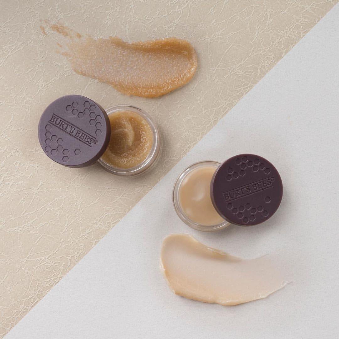 Để đánh son đắt hay son rẻ đều đẹp, bạn hãy đầu tư ngay 1 trong 7 sản phẩm tẩy tế bào chết cho môi xịn sò sau đây - Ảnh 2.