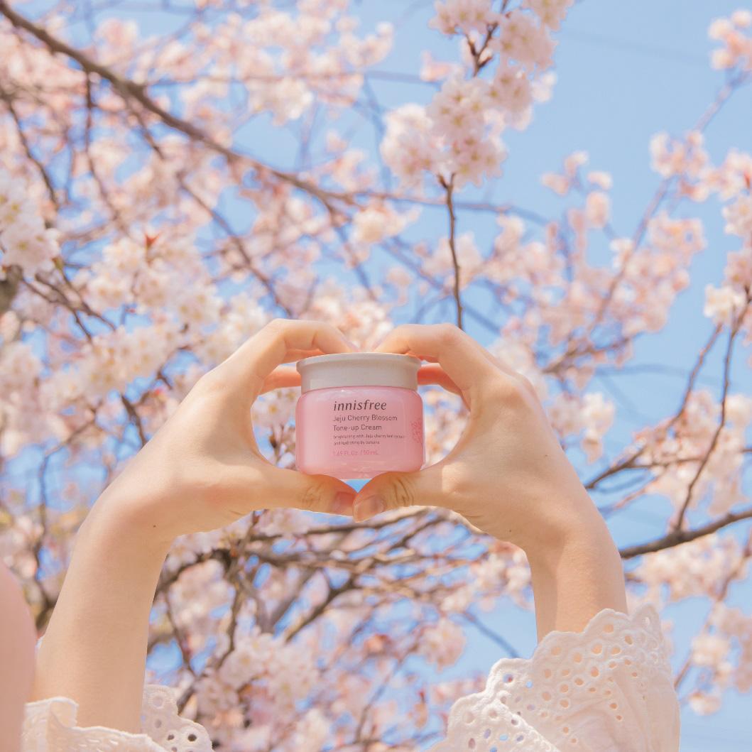 Bí quyết của vẻ đẹp sáng hồng rạng rỡ như hoa anh đào nở giữa trời xuân - Ảnh 1.