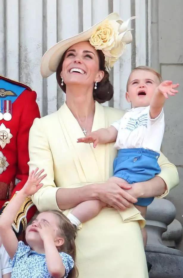 """Chìa khóa nuôi dạy con của nữ công tước xứ Cambridge, Kate Middleton: """"Tôi muốn các con được trải nghiệm mọi thứ từ thực tế"""" - Ảnh 7."""
