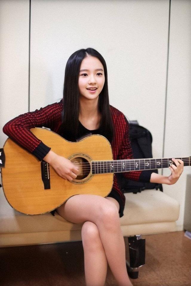 """Vừa rò rỉ ảnh nhóm nữ """"em gái"""" SNSD, Red Velvet: """"Bản sao"""" YoonA bất ngờ rời SM chuyển hướng làm diễn viên - Ảnh 1."""