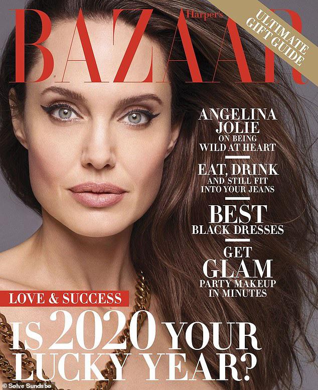 """""""Tiên hắc ám"""" Angelina Jolie gây sốc với loạt ảnh khỏa thân đốt mắt người nhìn, lần đầu chia sẻ về thỏa thuận ly hôn với Brad Pitt - Ảnh 5."""