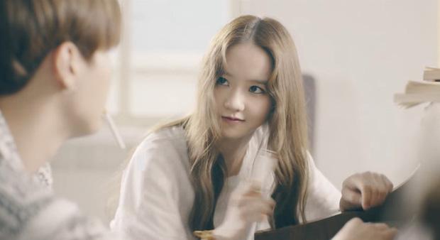 """Vừa rò rỉ ảnh nhóm nữ """"em gái"""" SNSD, Red Velvet: """"Bản sao"""" YoonA bất ngờ rời SM chuyển hướng làm diễn viên - Ảnh 4."""