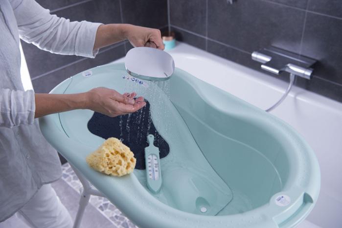 Tắm cho trẻ sơ sinh đúng cách giúp mẹ vui con khoẻ - Ảnh 2.