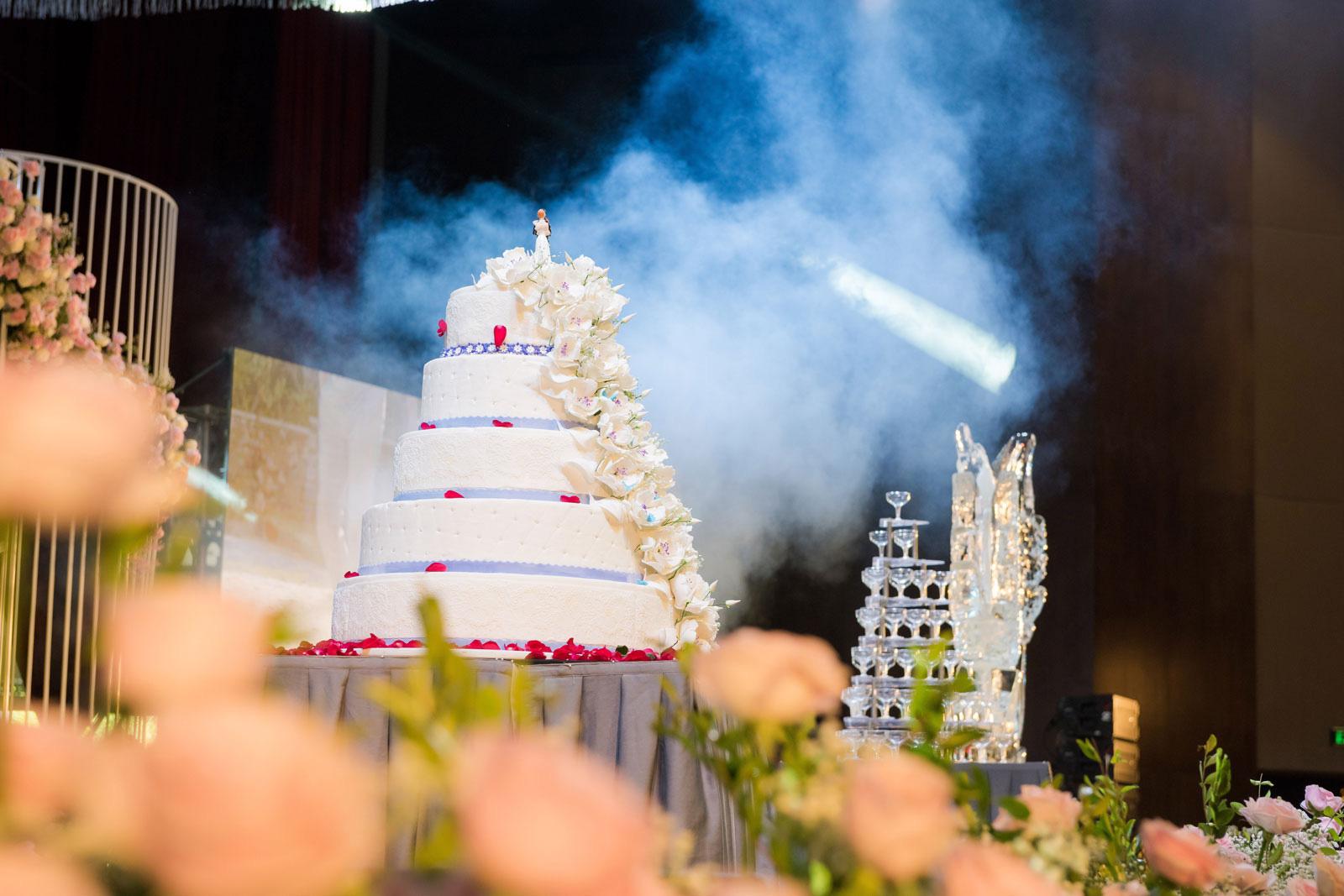 Không gian tiệc cưới như cổ tích tại FLC Hạ Long- Khách sạn Hội nghị hàng đầu châu Á - Ảnh 3.