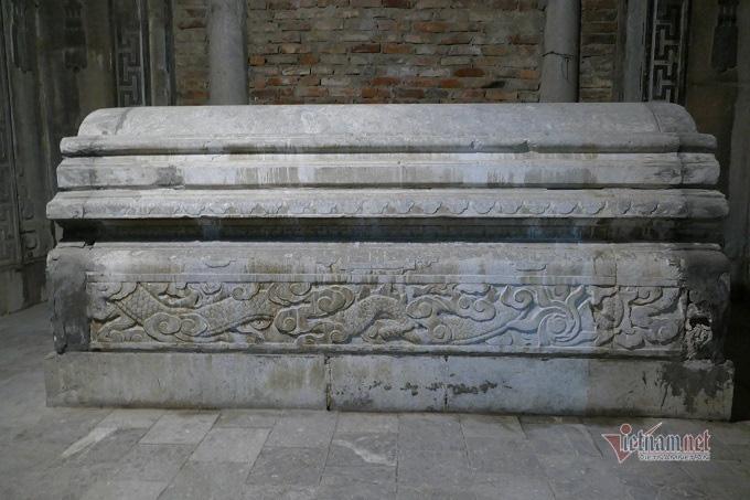 Chục gia đình sống trong ngôi mộ cổ, chuyện rợn tóc gáy giữa lòng thủ đô - Ảnh 9.