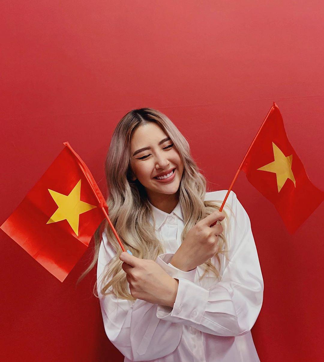 Cả dàn sao Việt nhuộm đỏ mạng xã hội khi cùng diện áo đỏ mừng chiến thắng của đội tuyển Việt Nam - Ảnh 9.