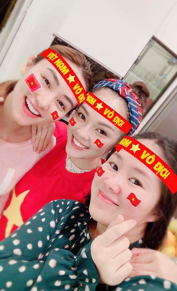 Việt Nam vô địch SEA Games, dàn sao Việt nô nức đi bão, mở tiệc ăn mừng linh đình - Ảnh 5.
