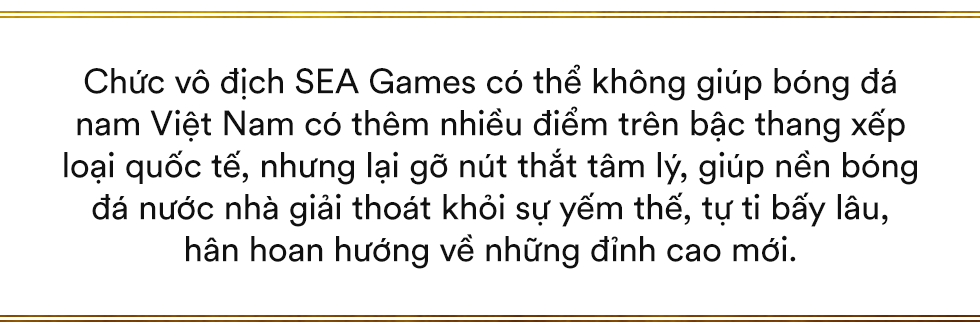 Song hỷ của bóng đá Việt và giấc mơ Vàng 60 năm trở thành sự thật: Không có Lọ Lem hay Thánh Gióng, chỉ có mồ hôi, nước mắt và sự tận hiến - Ảnh 6.