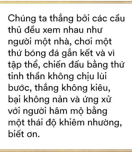 Song hỷ của bóng đá Việt và giấc mơ Vàng 60 năm trở thành sự thật: Không có Lọ Lem hay Thánh Gióng, chỉ có mồ hôi, nước mắt và sự tận hiến - Ảnh 9.