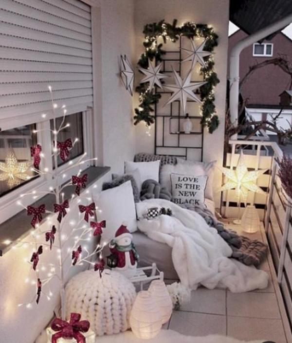 27 ý tưởng trang trí ban công dịp Giáng sinh cực đáng yêu cho mỗi gia đình - Ảnh 3.