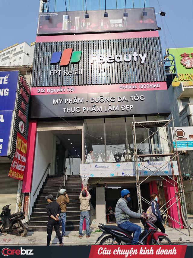 FPT Shop bất ngờ mở F.Beauty chuyên kinh doanh mỹ phẩm nhập ngoại cao cấp, tranh thủ thị trường mỹ phẩm còn đang tranh sáng tranh tối - Ảnh 1.