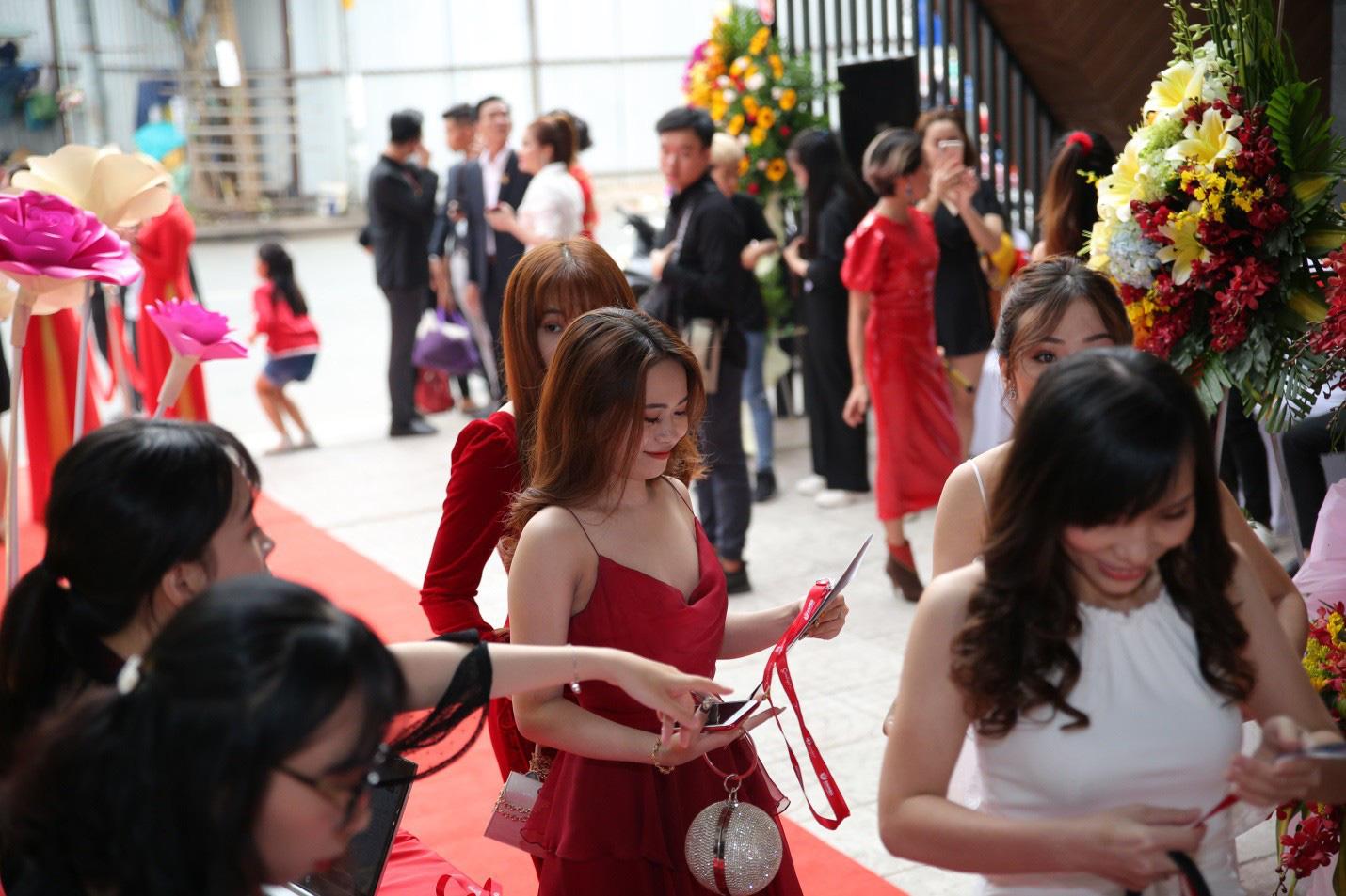 Hơn 600 khách hàng tham dự dạ tiệc tri ân khách hàng của SeoulSpa.Vn - Ảnh 3.