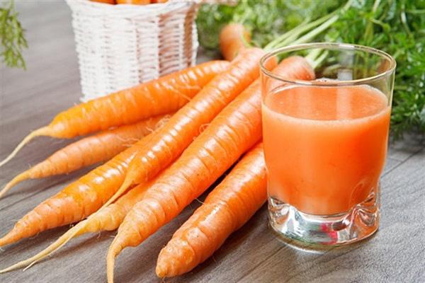 Bác sĩ cảnh báo: Cà rốt rất tốt, nhưng ăn với những thực phẩm này rất dễ gây hại cho cơ thể - Ảnh 3.