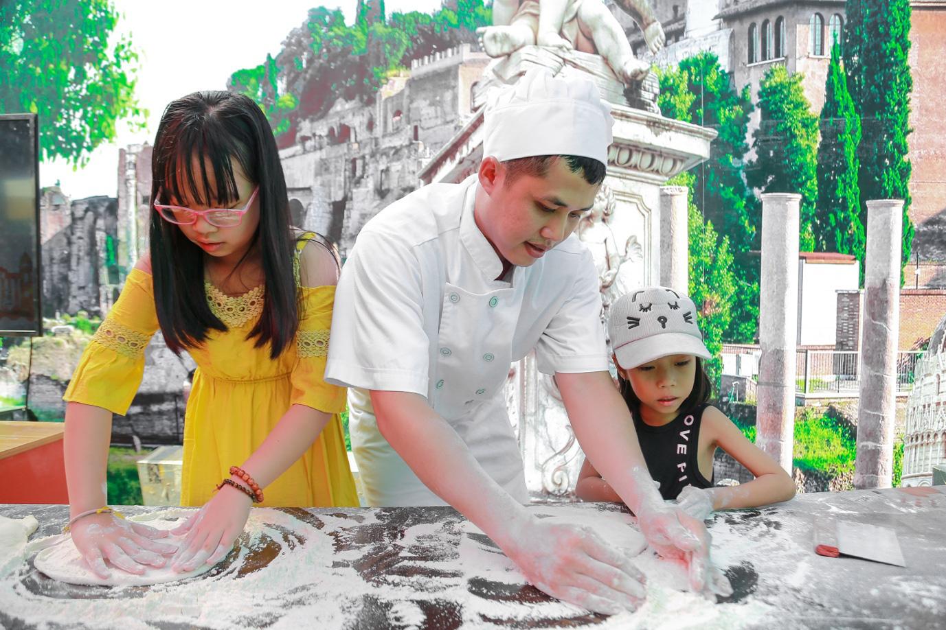 """Hàng ngàn gia đình Việt nô nức trải nghiệm """"nước Ý thu nhỏ"""" tại Sài Gòn - Ảnh 4."""