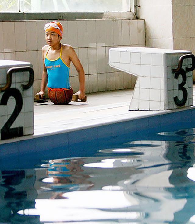 """Tiền Hồng Diễm: """"Cô gái bóng rổ"""" cụt nửa người 19 năm trước và hành trình trở thành tay bơi cừ khôi vẫy vùng khắp các cuộc thi thể thao  - Ảnh 2."""