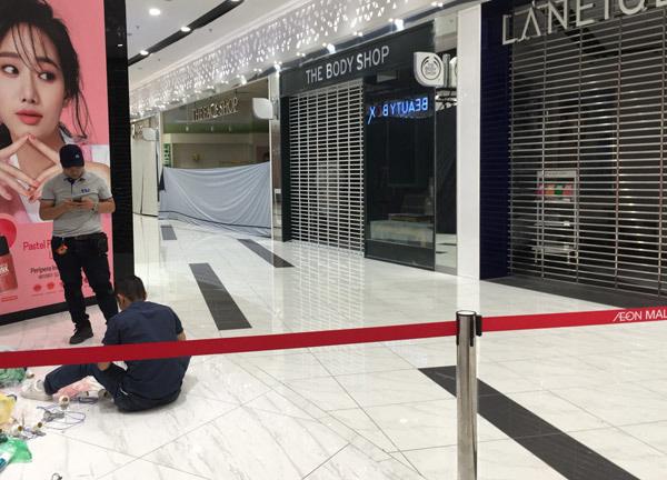 Thất vọng Aeon Mall Hà Đông, khai trương rồi hàng đóng cửa im lìm - Ảnh 10.