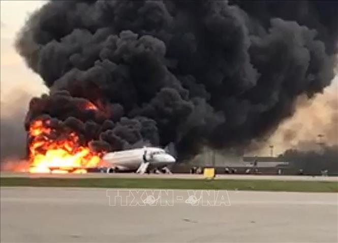 Phi công trong vụ tai nạn máy bay bốc cháy ở Nga có nguy cơ bị buộc tội - Ảnh 1.