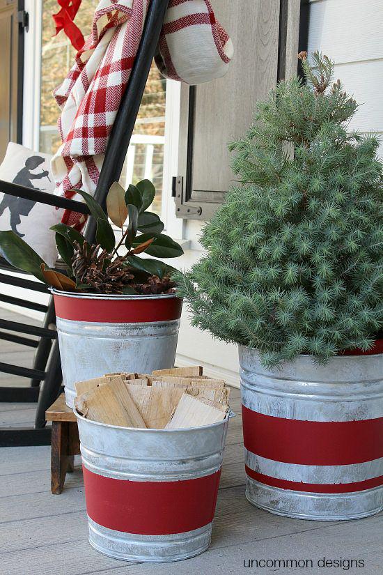 Hiên nhà xinh đẹp đón khách nhờ những ý tưởng decor độc đáo mùa Giáng sinh - Ảnh 2.