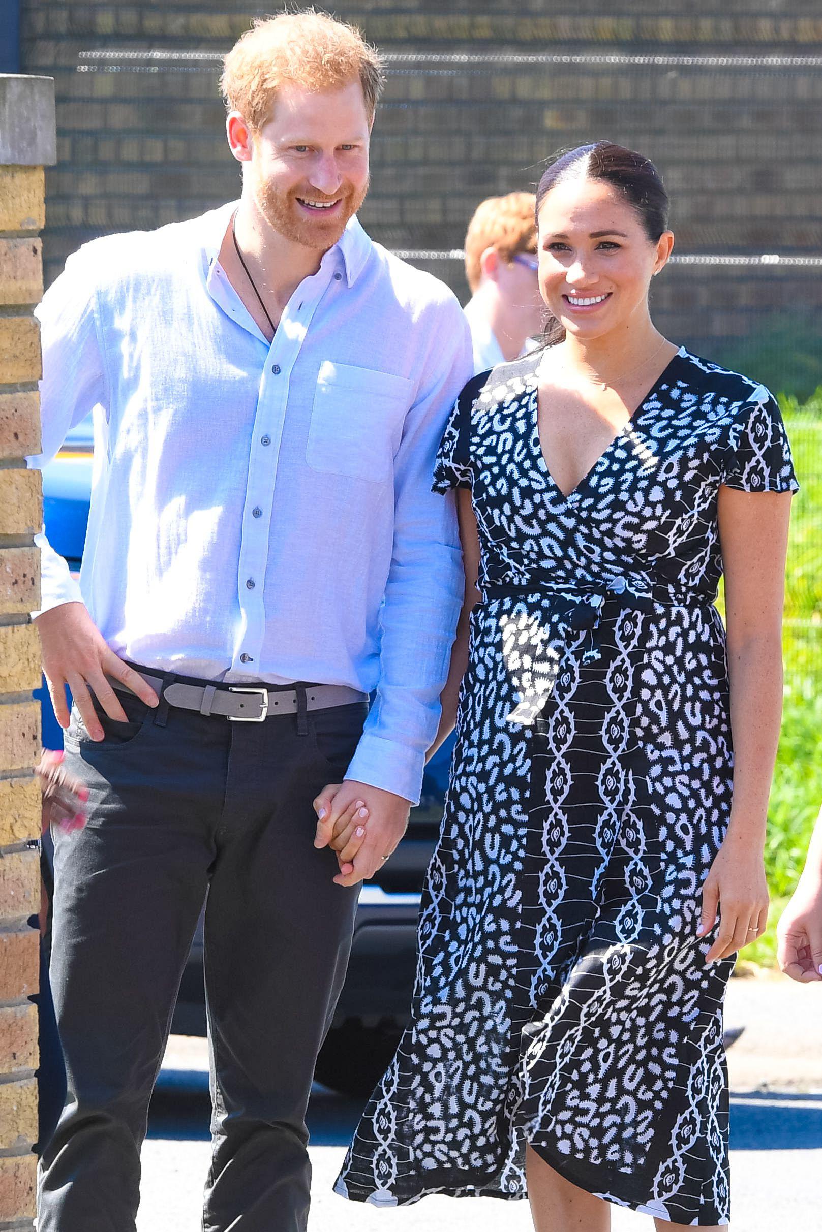 """Meghan Markle """"vượt mặt"""" chị dâu Kate trong cuộc chiến mặc đẹp năm 2019 do Vogue Anh bình chọn - Ảnh 1."""