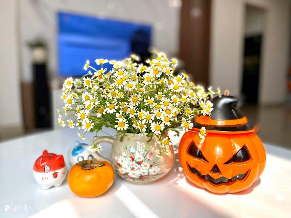 Ngày đầu năm ghé thăm những góc nhỏ dịu dàng sắc hoa trong căn nhà ấm cúng của bà mẹ trẻ Hà Nội - Ảnh 9.