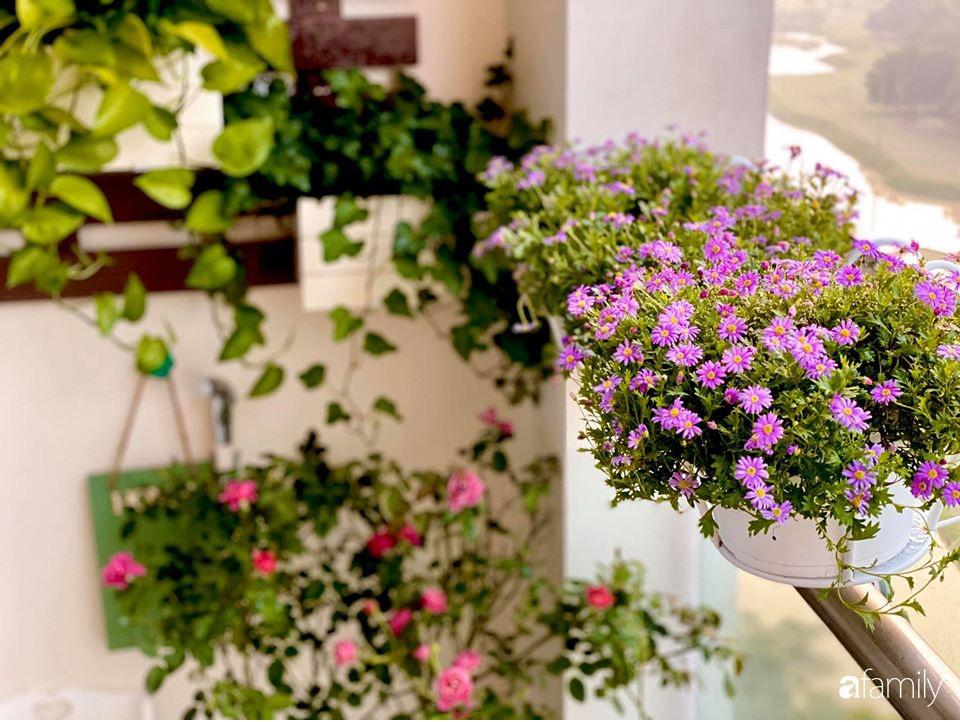 Ngày đầu năm ghé thăm những góc nhỏ dịu dàng sắc hoa trong căn nhà ấm cúng của bà mẹ trẻ Hà Nội - Ảnh 38.