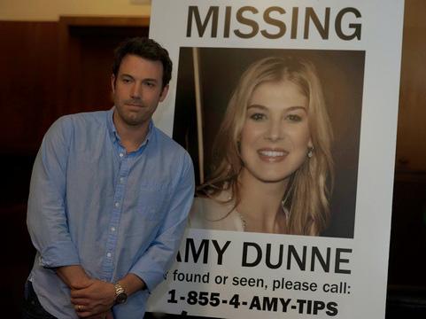 """Phim """"Gone Girl"""" đời thực: Vợ đột ngột mất tích, 1 năm sau mới tìm được thi thể trước khi chồng bị buộc tội giết một lúc 2 mạng người - Ảnh 1."""