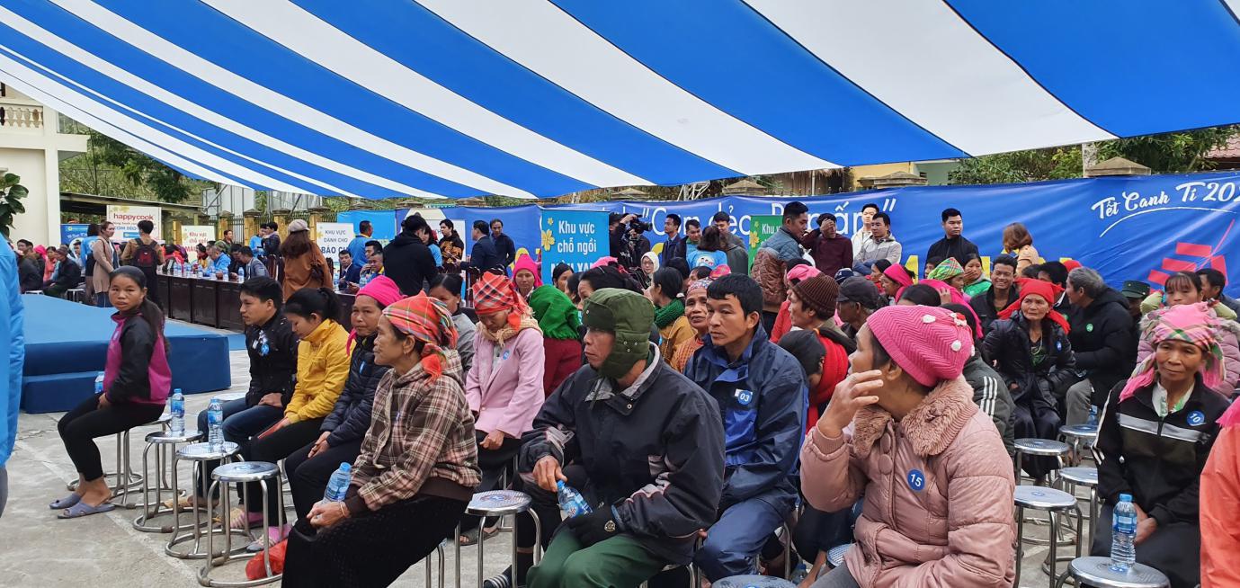 Điện Máy Xanh trao 10.000 nồi cơm điện cho người nghèo cả nước - Ảnh 1.
