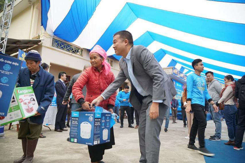Điện Máy Xanh trao 10.000 nồi cơm điện cho người nghèo cả nước - Ảnh 4.