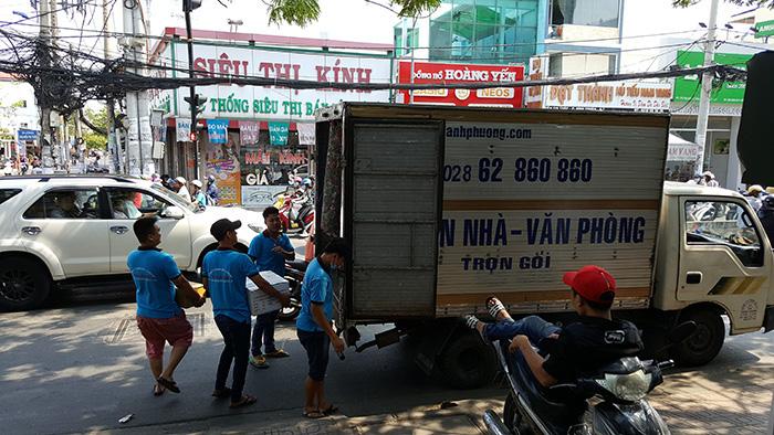 Dịch vụ chuyển văn phòng trọn gói giá rẻ nào tốt tại TPHCM - Ảnh 1.