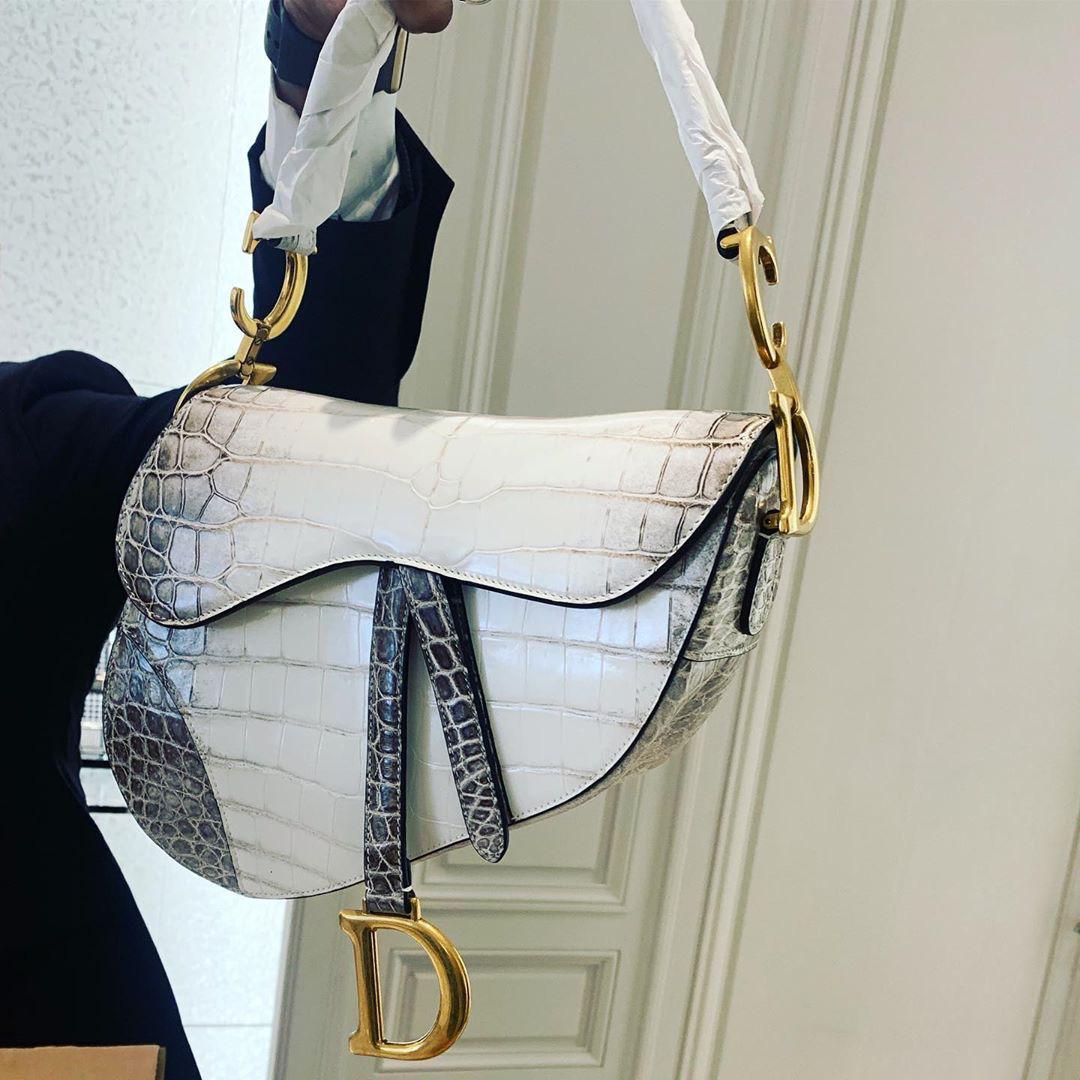 Chỉ đi tổng duyệt HHHV, Thu Minh cũng chiếm hết spotlight với chiếc túi Dior bạch tạng tiền tạ tiền tấn - Ảnh 4.