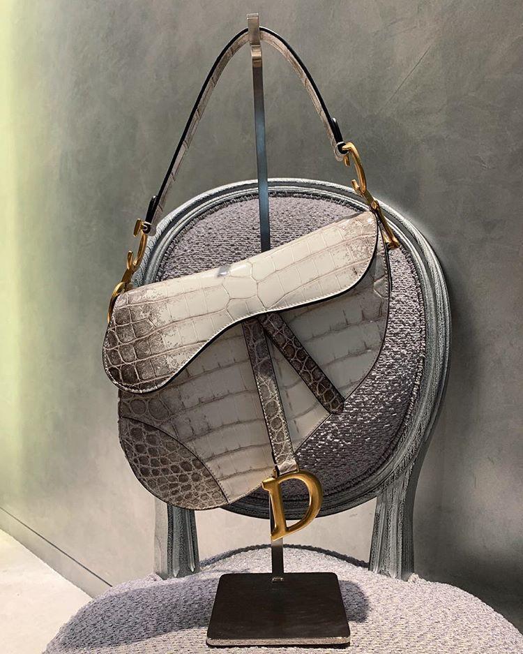Chỉ đi tổng duyệt HHHV, Thu Minh cũng chiếm hết spotlight với chiếc túi Dior bạch tạng tiền tạ tiền tấn - Ảnh 3.