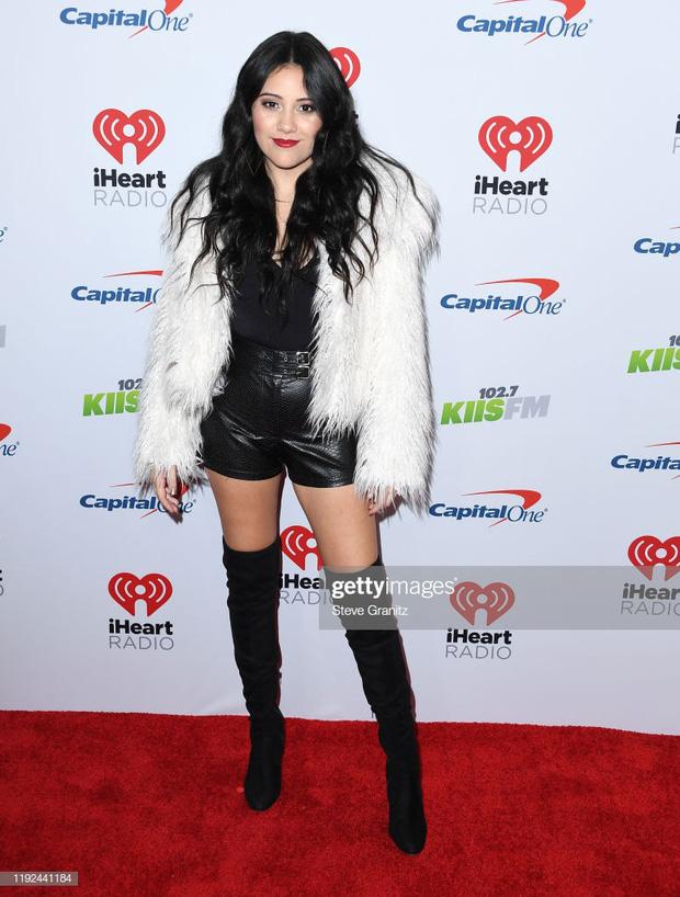 Thảm đỏ Jingle Ball 2019: Katy Perry đánh phấn quá lố, Camila Cabello xinh đẹp như công chúa tóc mây - Ảnh 10.